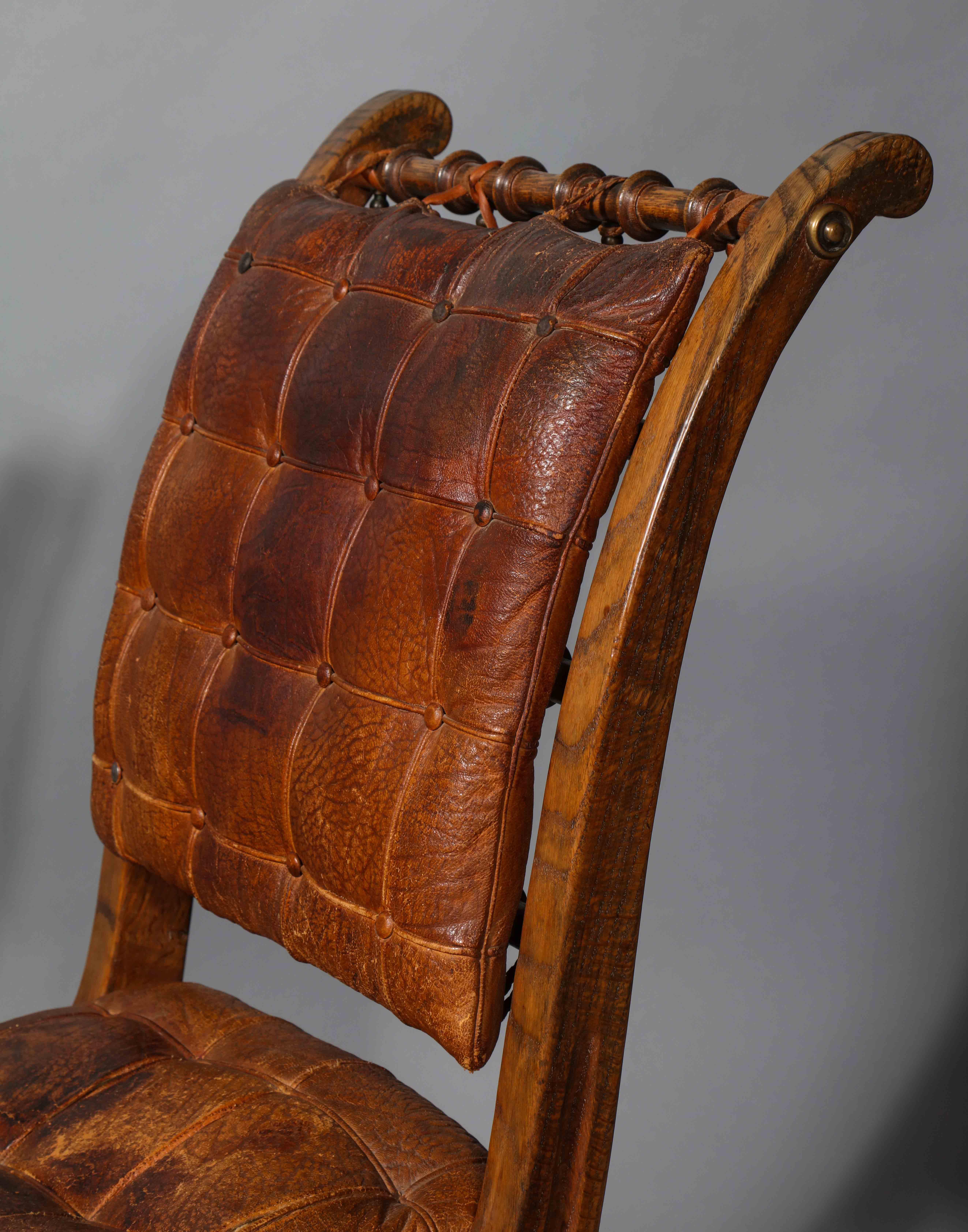 Folding Chairs 10